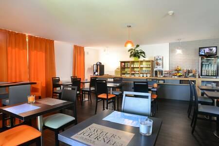 Kyriad Dijon Est - Quetigny Hotel, Salle de location Quetigny  #0