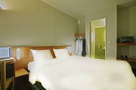 B&B Hotel Avignon, Salle de location Le Pontet  #0