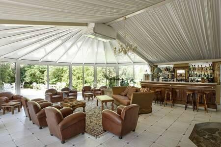 Hotel Restaurant Le Chateau De Floure, Salle de location Floure  #0