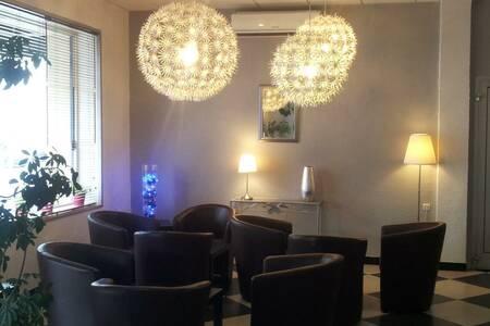 Hotel Du Midi, Salle de location Narbonne  #0