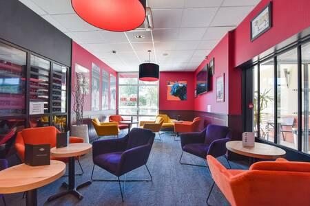 Kyriad Aix Tgv - Plan De Campagne, Salle de location Bouc Bel Air  #0