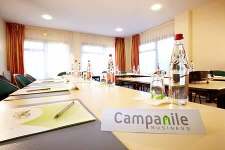 Campanile Manosque Hotel, Salle de location Manosque  #0