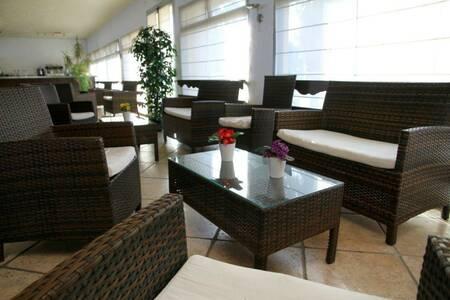 Hotel Cavaliere Sur Plage, Salle de location Le Lavandou  #0
