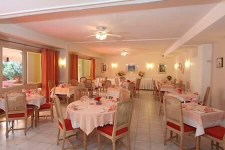 L'Hostellerie Du Golf, Salle de location Mandelieu La napoule  #0