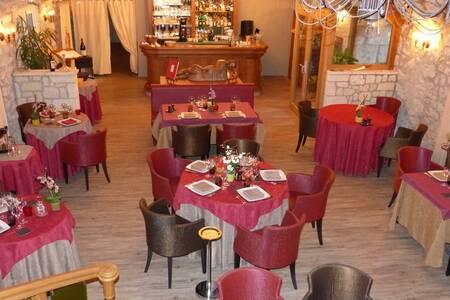 Le Relais Louis Xi, Salle de location Meung-sur-Loire  #0