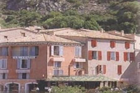 Le Relais Hotel Restaurant, Salle de location Moustiers-Sainte-Marie  #0