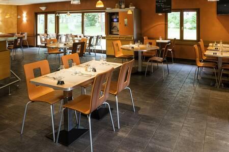 Hotel Ibis Bourg-En-Bresse Jasseron-A 40, Salle de location Bourg-en-Bresse  #0