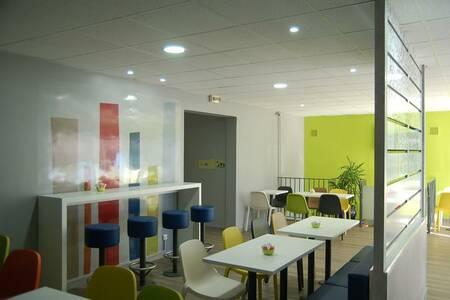 Ibis Budget Chambourcy Saint Germain, Salle de location CHAMBOURCY  #0