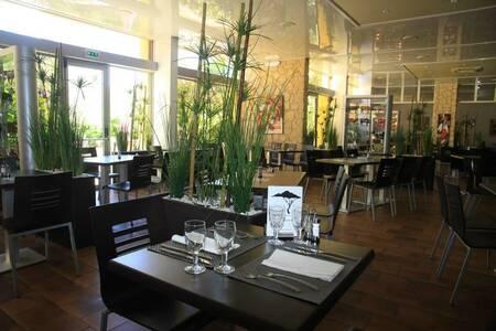 Hotel Restaurant Isola Hotel, Salle de location Borgo  #0