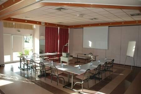 Hotel Poretta, Salle de location Lucciana  #0