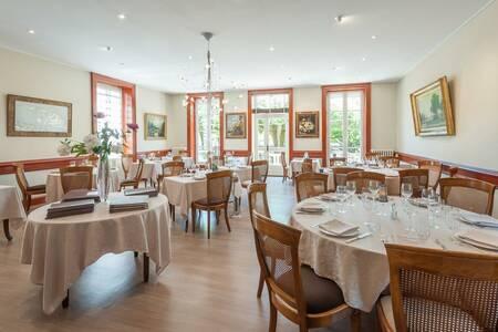Hotel-Restaurant Emile Job, Salle de location Montmerle-sur-Saône  #0