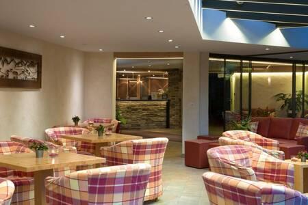 Helvetia Intergolf - Appart Hotel, Salle de location Crans-Montana  #0
