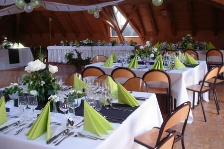 Hotel - Restaurant De La Vue-Des-Alpes, Salle de location Fontaines  #0