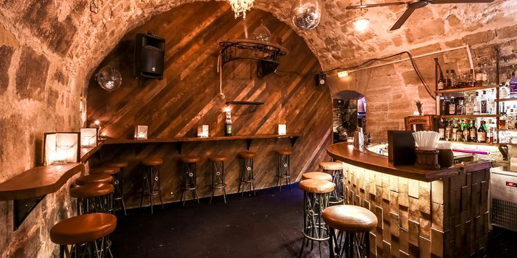 Lockwood, Bar Paris None #0