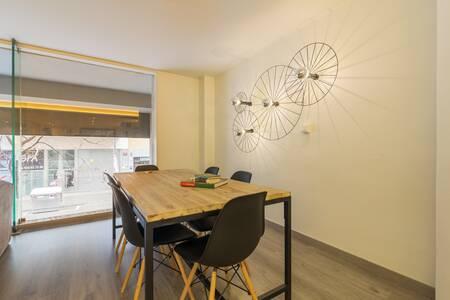Atenea Calabria Apartaments, Sala de alquiler Barcelona L'Eixample #0