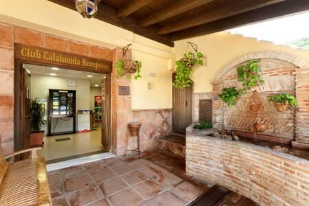 Club Calahonda - Crown Resorts, Sala de alquiler Mijas  #0