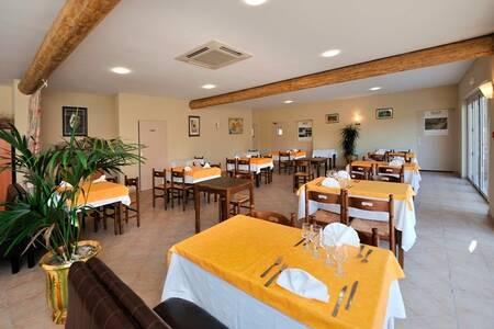 Hotel Restaurant La-Goutte D'Eau, Salle de location Pernes-les-Fontaines  #0