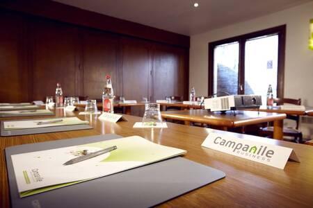Campanile Chalons En Chamoagne - Saint Martin, Salle de location Saint-Martin-sur-le-Pré  #0