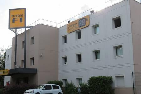 Hotel F1 Clichy Sous Bois, Salle de location Villemomble  #0