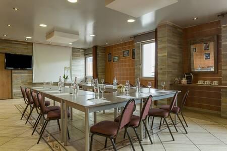 Hotel The Originals Dijon South Armony, Salle de location Chenove  #0