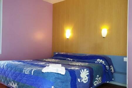 Hotel Paris Ouest Coignieres, Salle de location Versailles  #0