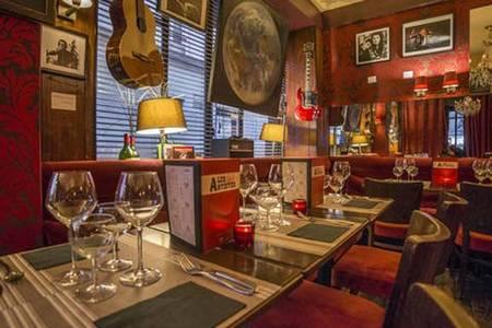 Chez les Artistes, Restaurant Paris République #0