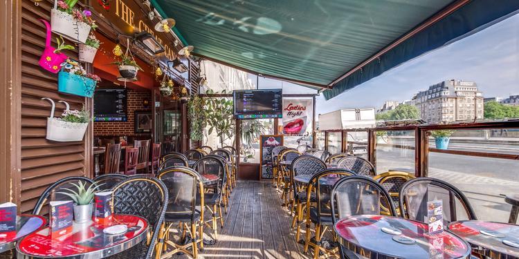 The Great Canadian, Bar Paris Saint Michel #0