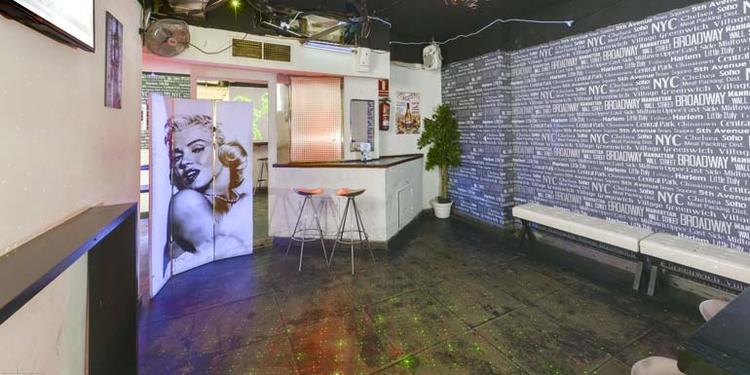 Kavu, Bar Madrid Chueca #0