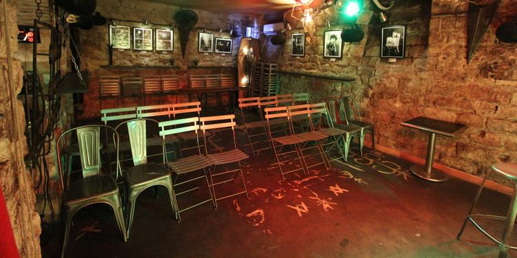 Cantada II, Bar Paris Oberkampf #0