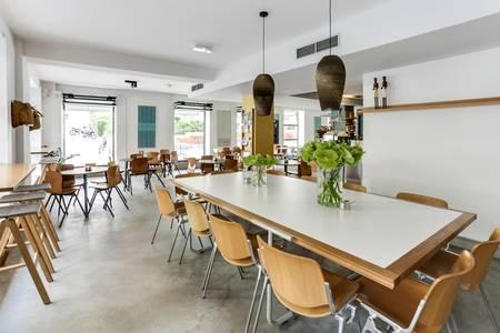 Federal Café Comendadoras, Restaurante Madrid Conde Duque #0
