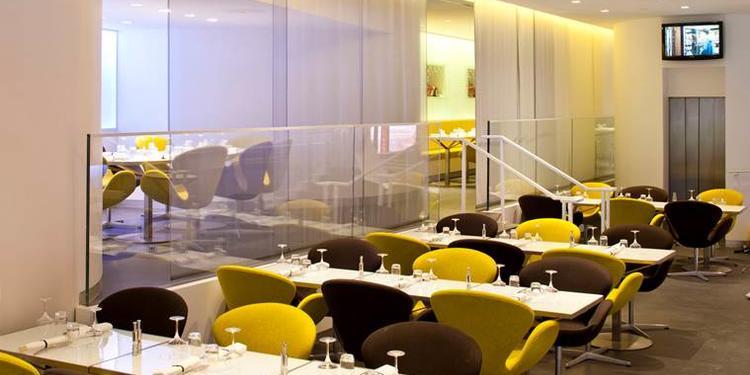 L'Atelier Renault Café - Le 53, Restaurant Paris Champs Élysées #0