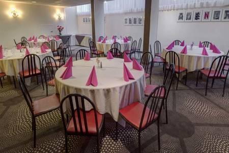 Best Western Hôtel Atrium, Salle de location Arles Arles #0