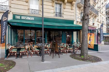 The Irishman, Bar Paris Croulebarbe #0