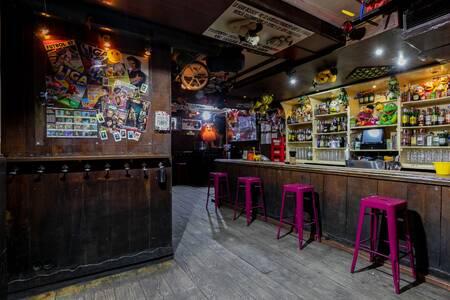 Suéltate el pelo, Bar Madrid Cuatro Caminos #0