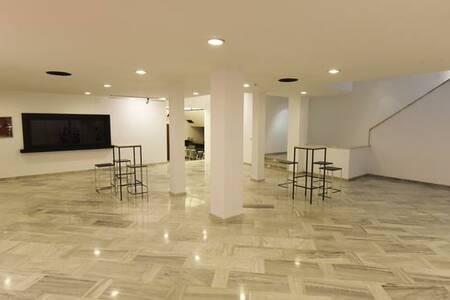 White Lab : Stage, Sala de alquiler Madrid Chamartín  #0