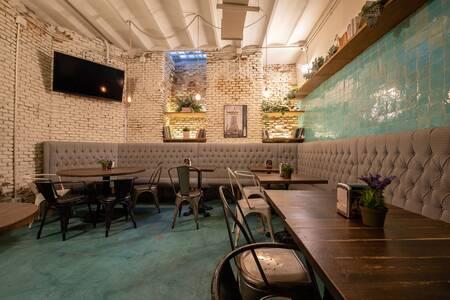 Charlotte Gastro Gin Bar, Bar Madrid Chamberí #0