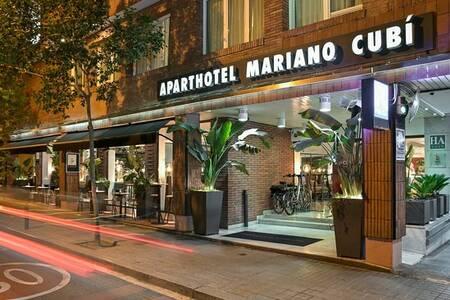 Aparthotel Mariano Cubi, Sala de alquiler Barcelona Barcelona  #0