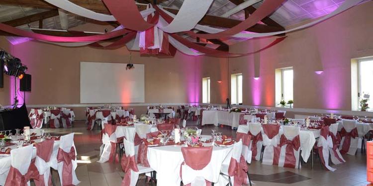 Salle du Pigeonnier et Salle Henri Rambuteau, Salle de location Légny  #0