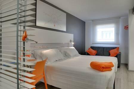 Hotel Bed4u Pamplona, Sala de alquiler Pamplona Pamplona #0