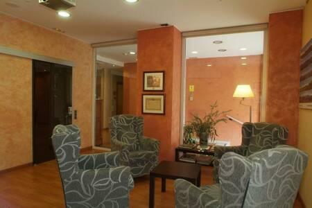 1948 Hotel Manresa, Sala de alquiler Manresa Manresa #0