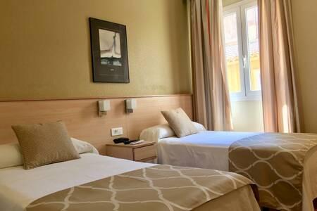 Alkazar Hotel, Sala de alquiler Valencia Plaza del Ayuntamiento #0