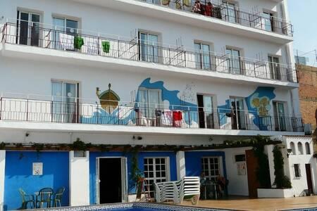 Hotel Mediterrani Express, Sala de alquiler Palafrugell Carrer Lladó #0