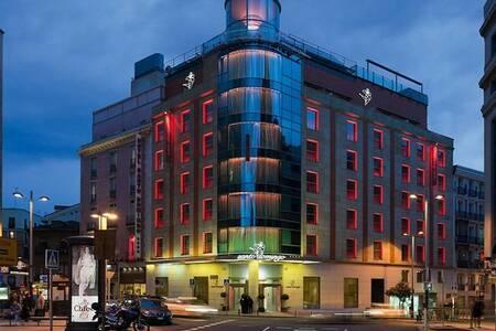 Hotel Santo Domingo Madrid, Sala de alquiler Madrid Calle de San Bernardo #0