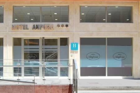 Hotel Anfora Melilla, Sala de alquiler Melilla Calle Pablo Vallescá #0