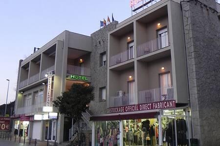 Hotel Puerta De Espana, Sala de alquiler La Jonquera La Junquera #0