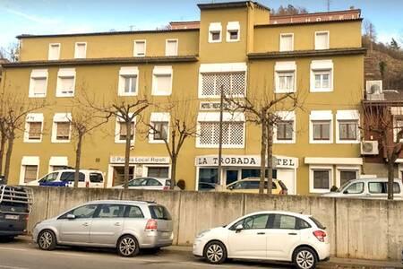 La Trobada Hotel, Sala de alquiler Ripoll Passeig del Compositor Honorat Vilamanyà #0