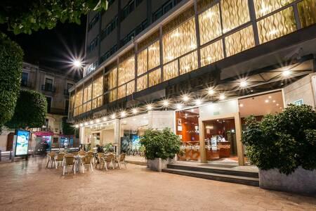 Hotel Gaudi, Sala de alquiler Reus Reus #0