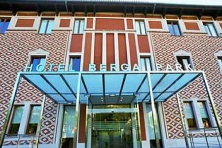Hotel Berga Park, Sala de alquiler Berga Carretera de Solsona #0