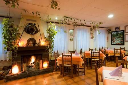 Castillo D'Acher Hotel – Restaurante, Sala de alquiler Siresa  Plaza la Virgen #0