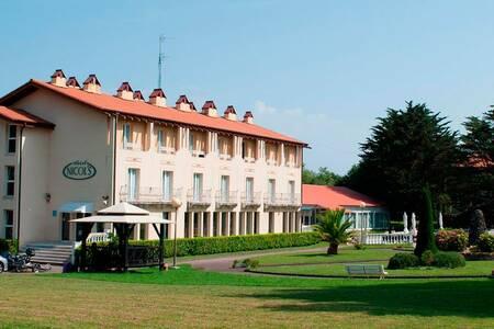 Hotel Nicols, Sala de alquiler San Sebastián,Guipúzcoa San Sebastián #0